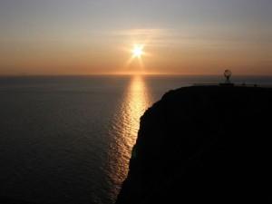 sole di mezzanotte a Capo Nord, wikipedia.org