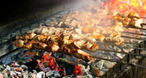 Mtsvadi, barbecue georgiano