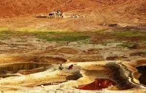 Al Atrun, cratere disabitato, Viaggi Levi
