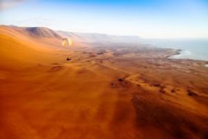 Namibia, lancio col paracadute