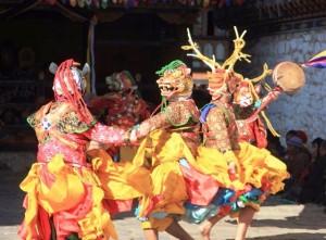Buthan festival, Viaggi Levi